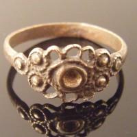 Pretty Flower Bronze Roman Ring
