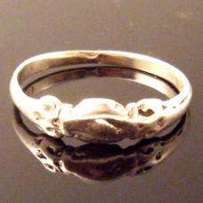 Silver Medieval Clasped Hands Wedding Betrothal Ring